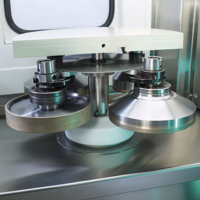 Schneider Optical Machines - SLG 301 - Grinding