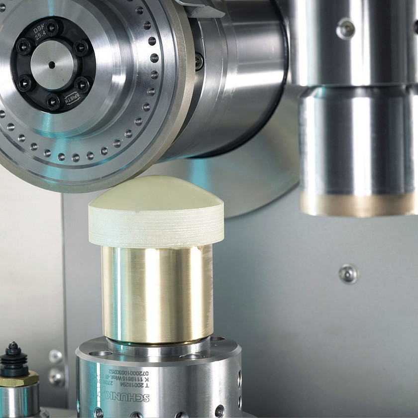 Schneider Optical Machines - SCG 100 - Surfacing Center Grinding