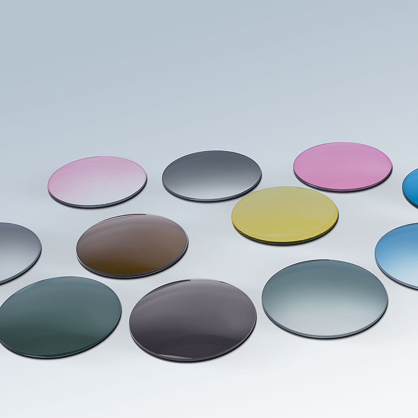 Range of colored tinted lenses with polycarbonate tinting