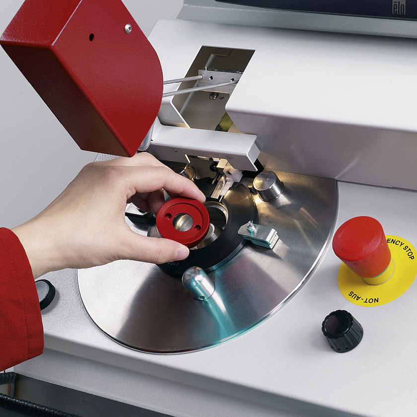 Schneider Optical Machines - CB Bond - Blocking